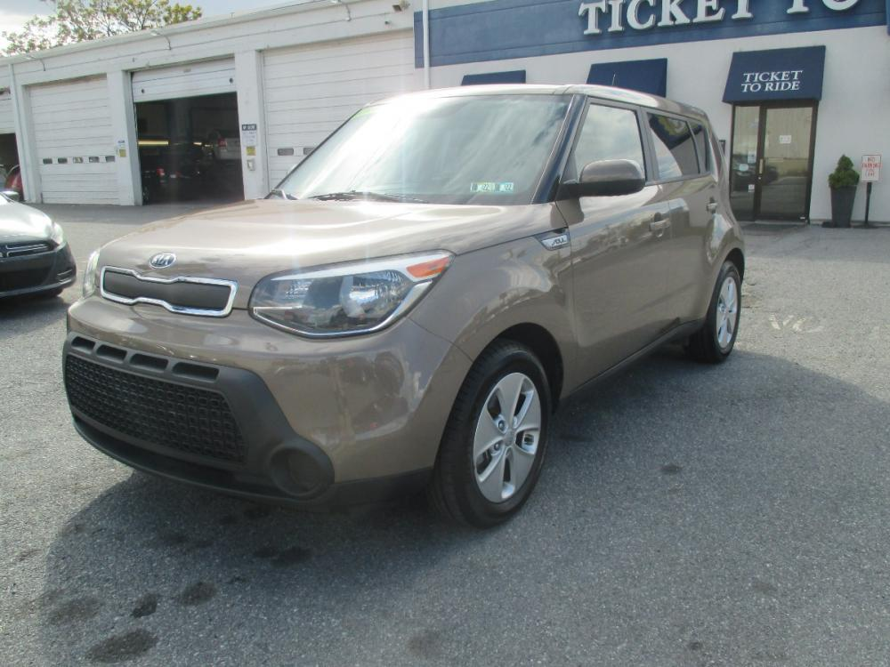 2015 TAN Kia Soul Base (KNDJN2A24F7) with an 1.6L L4 DOHC 16V engine, located at 1254 Manheim Pike, Lancaster, PA, 17601, (717) 393-9133, 40.062870, -76.323273 - Photo #0